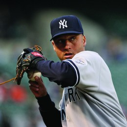 In October of 2014, former Yankees' shortstop Derek Jeter founded The Players' Tribune, a journal that provides professional and collegiate athletes with a platform to write and publish.